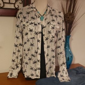 American Eagle Outfitters Button-Up. Size S🌴